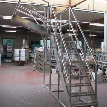 Stairs with a variable platform that can be adjusted into the most preferable angle and height. They are especially recommended for machinery work or maintenance at different heights.