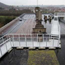 Industrial walkway platform in aluminium   JOMY