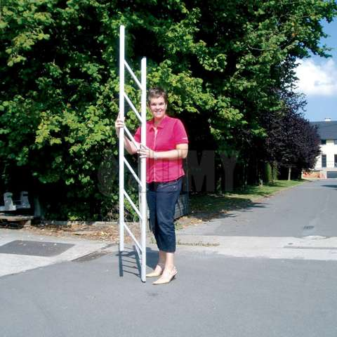 Een oplooibare en draagbare ladder: The JOMY STICK ladder