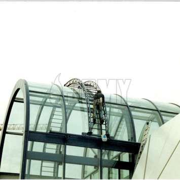 Glass rounded roof BMU - Building Maintenance Unit