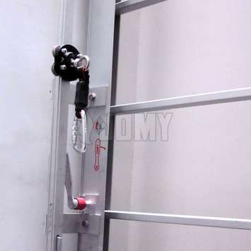 The use of the lifeline fall arrest system eliminates the need for a safety cage, and is even increasingly preferred over the use of a safety cage.