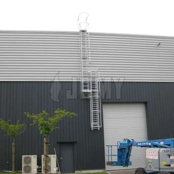 JOMY roof access ladder with a retractable bottom part