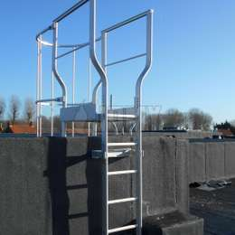 These ladders are the ideal solutions for safe fire escape (secondary means of egress), access and maintenance at heights. They can be used both interior and exterior.