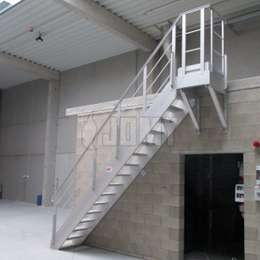 Mezzanine stairs in aluminium for interior and exterior use.