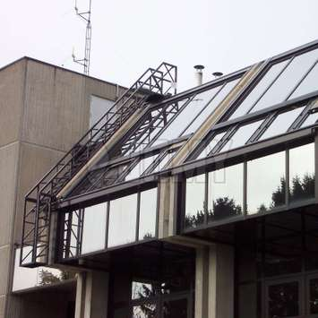 Mobile stairs for glass roof maintenance - Building Maintenance Unit