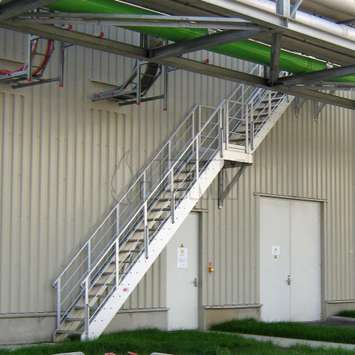 Stair for industrial access in a refining plant.