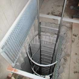 Well cage ladder with 2 telescopic handles for a safe access to the underground spaces for inspections.