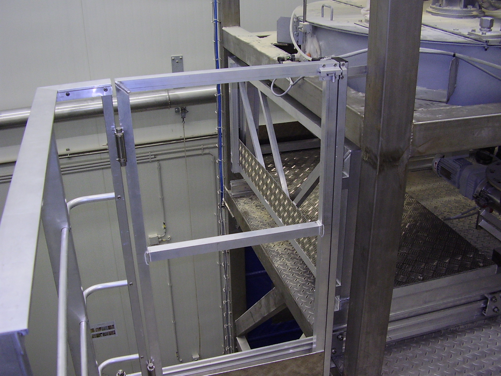 Aluminum gate on a working platform