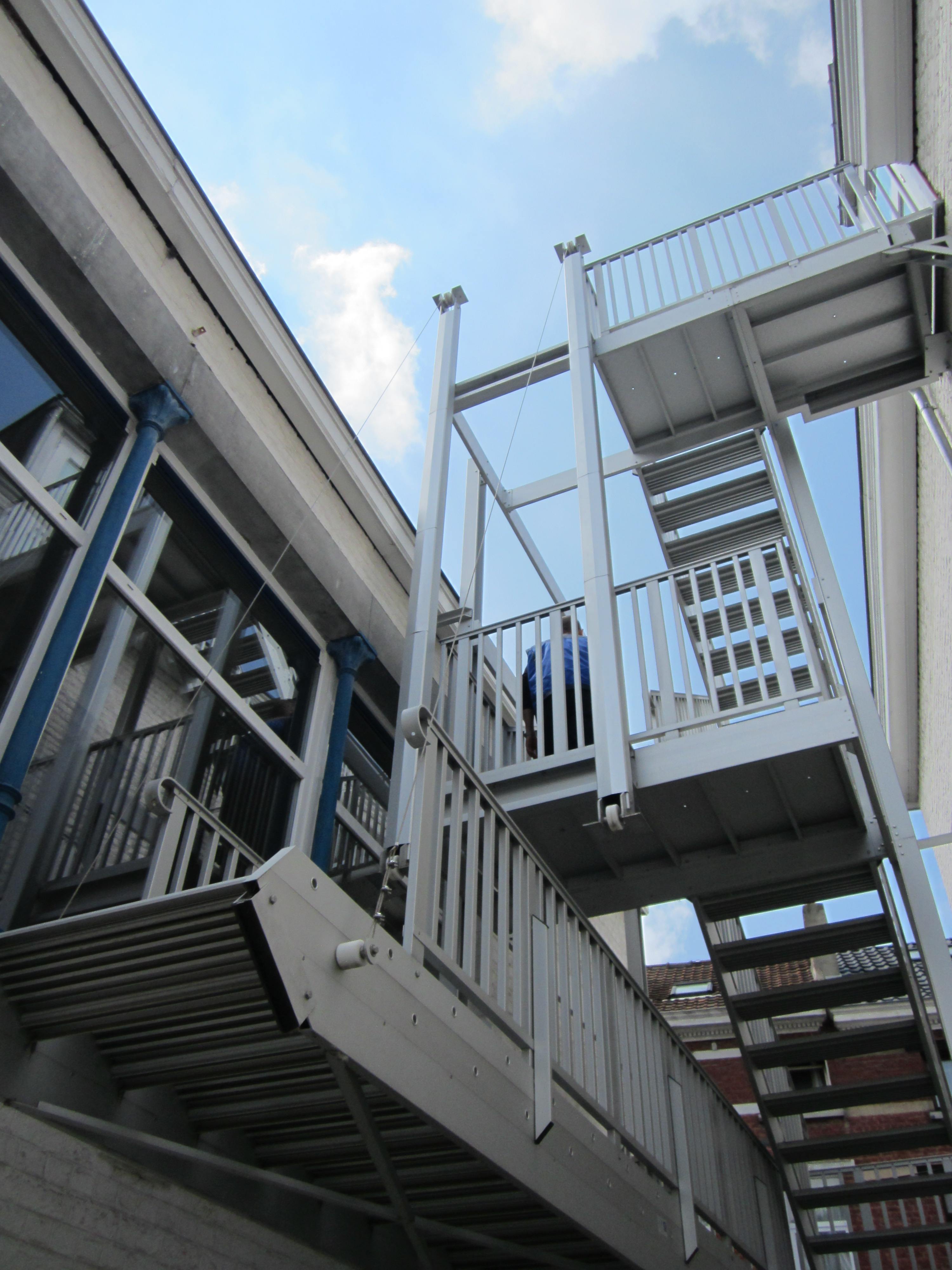 Anodized aluminum counterbalanced JOMY stairs