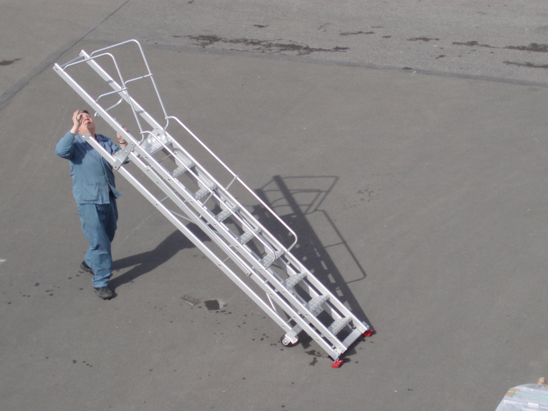 Jomy chelles marches mobiles pour acc s la for Peindre aluminium anodise