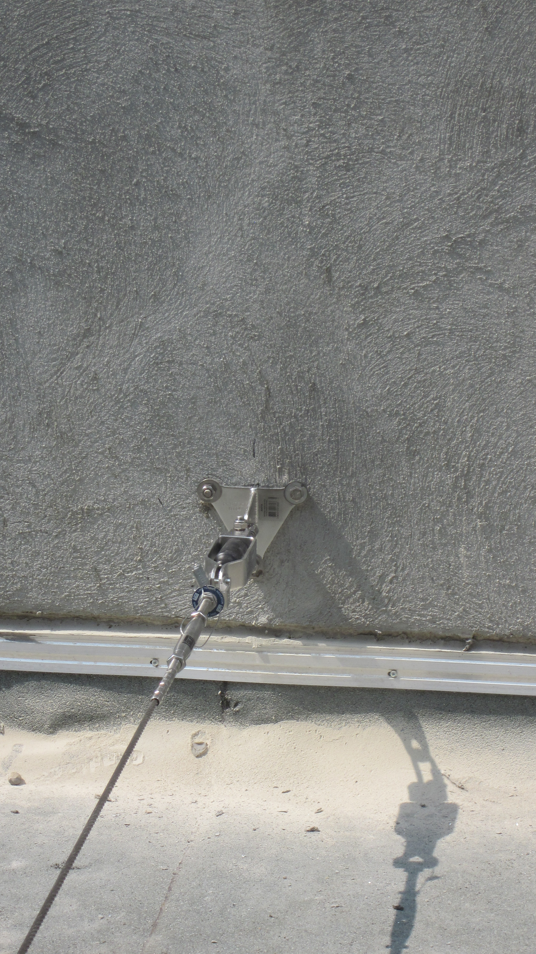 JOMY offers a range of safety solution accessories to the ease and safety building facade maintenance access. Vertical and horizontal fall restraint systems, fixed or removable guardrails, and descent devices are available to improve the safety of access