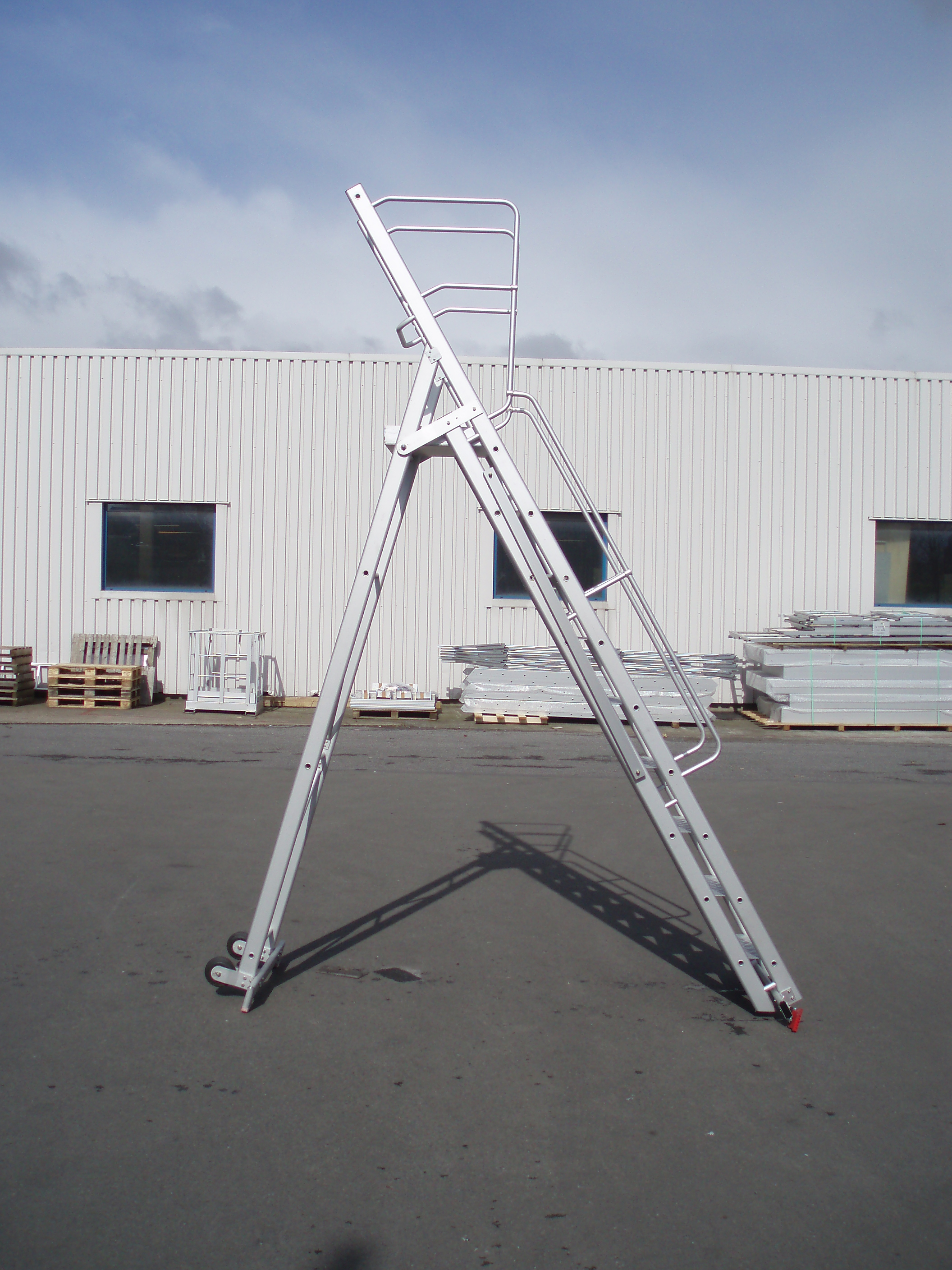 JOMY foldable mobile aluminum stepladder