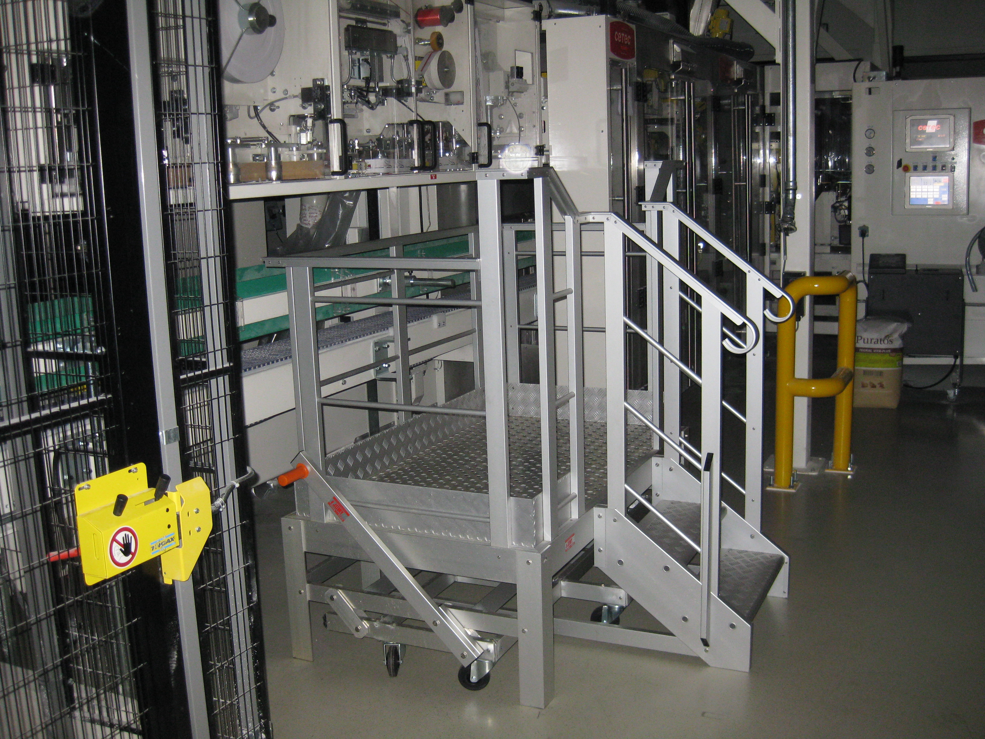 Mobile aluminum stairs for easy maintenance access