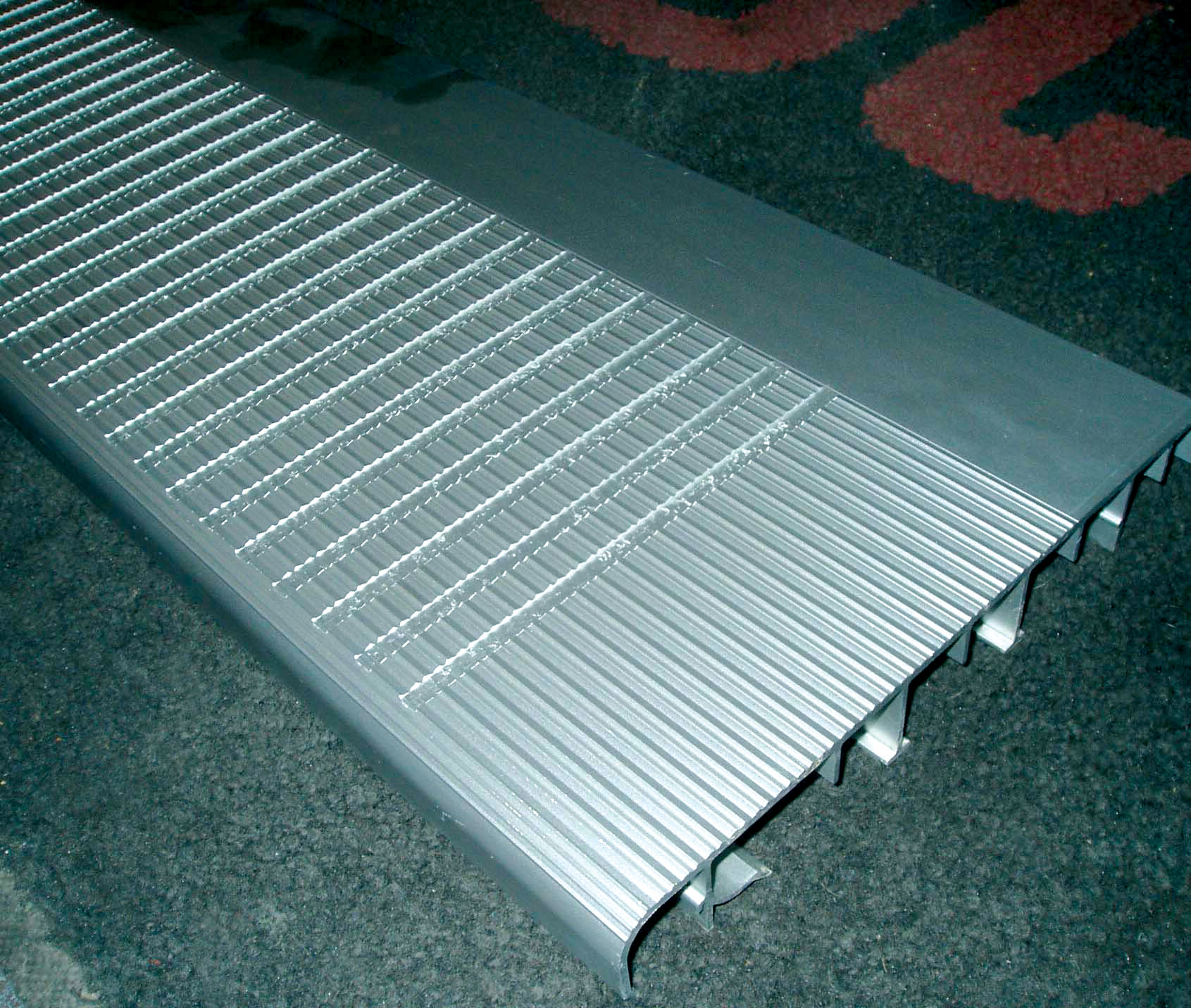 Special grading on JOMY aluminum step