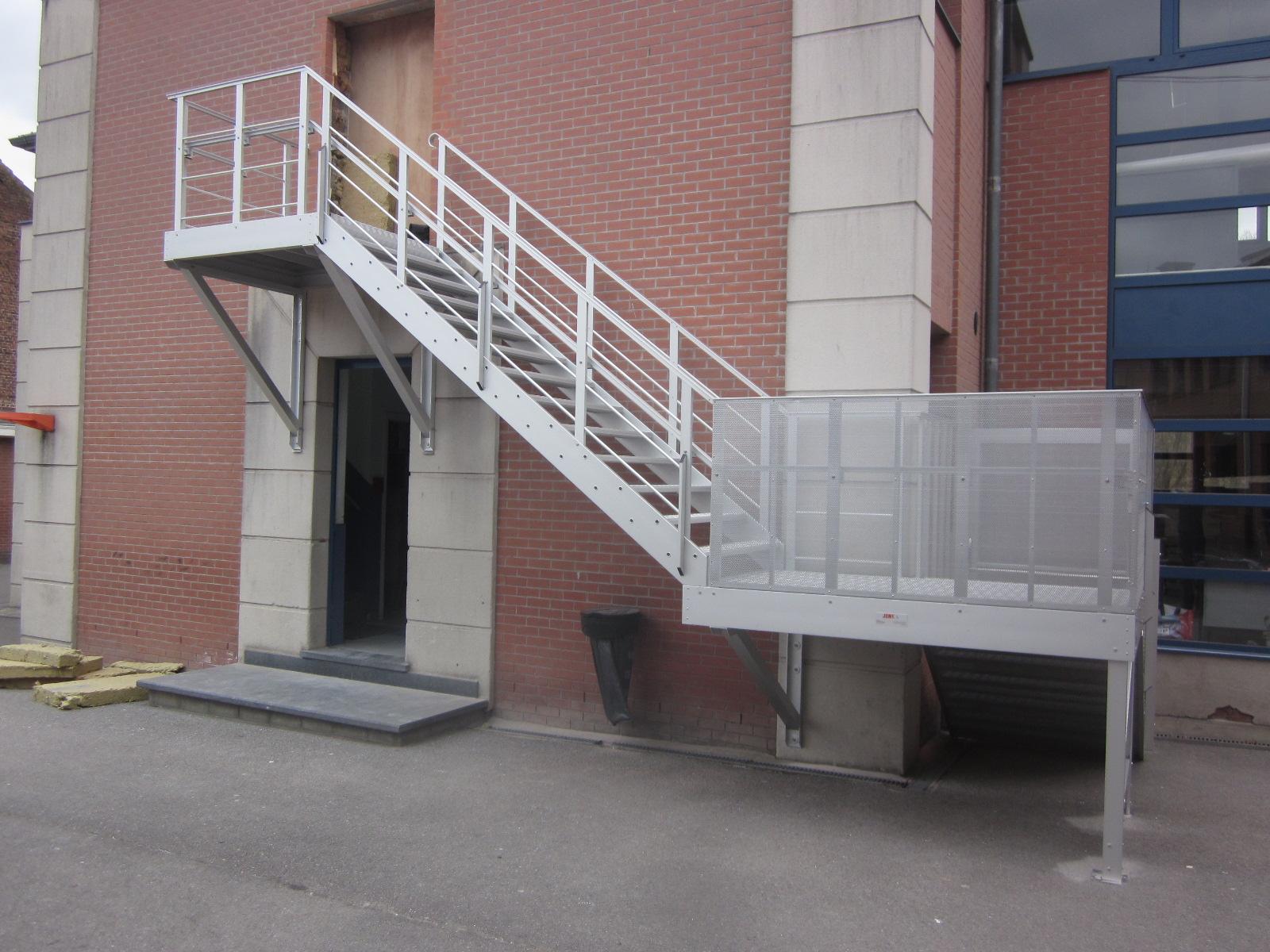 escalier droit volee relevable