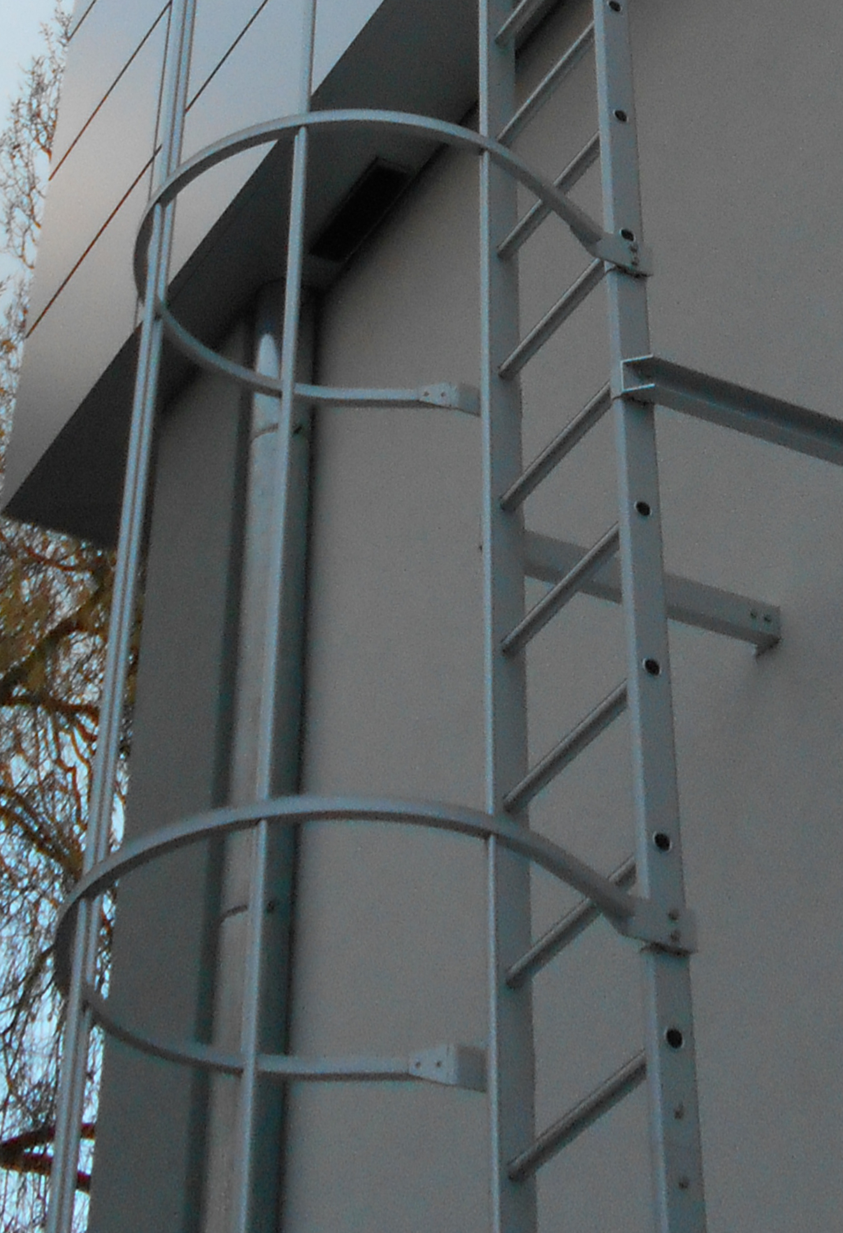 Additional fixed ladder section
