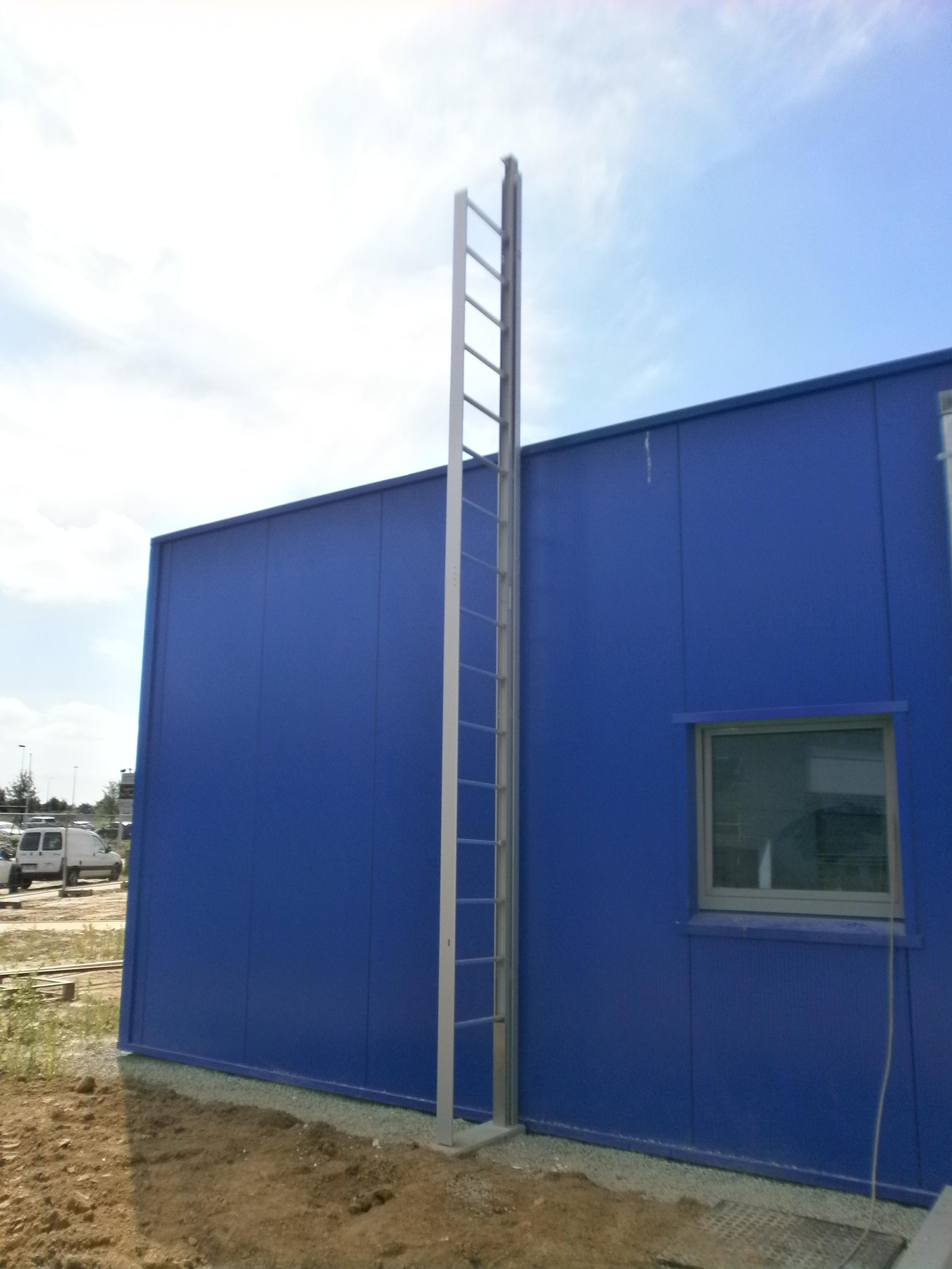 Mini-Jomy retractable ladder