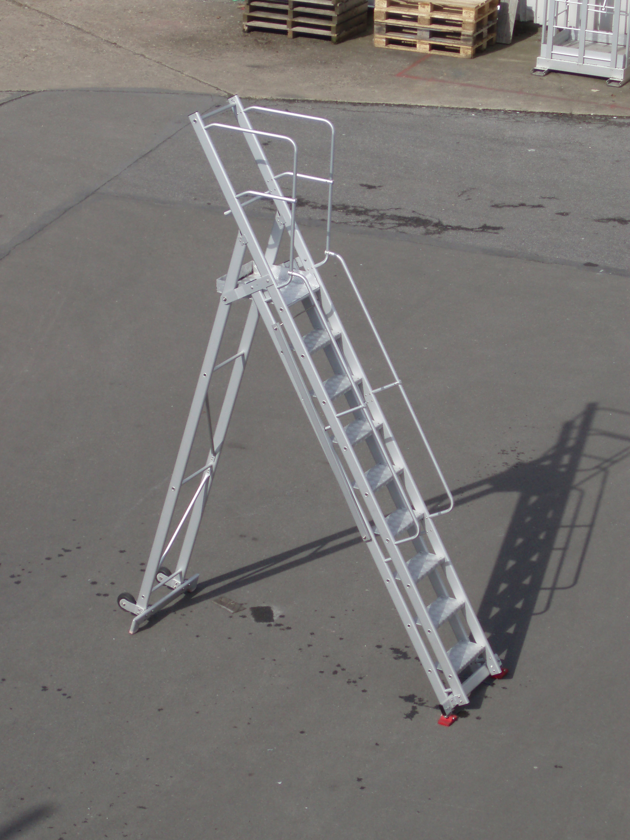 Foldable and movable access stairs
